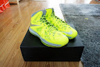 nike lebron 10 gr atomic volt dunkman 5 01 Nike, This is How We Want Our Volts! With Diamond Cut Swoosh.