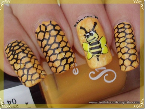 honeycomb and bee 2