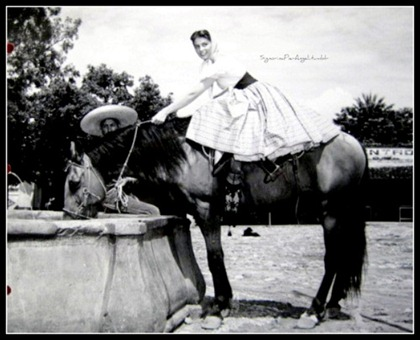 Pier Angeli in Mexico while filming Sombrero.
