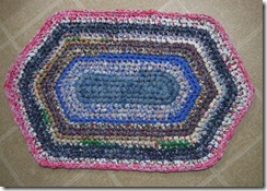 crochet-fabric-strips-rug