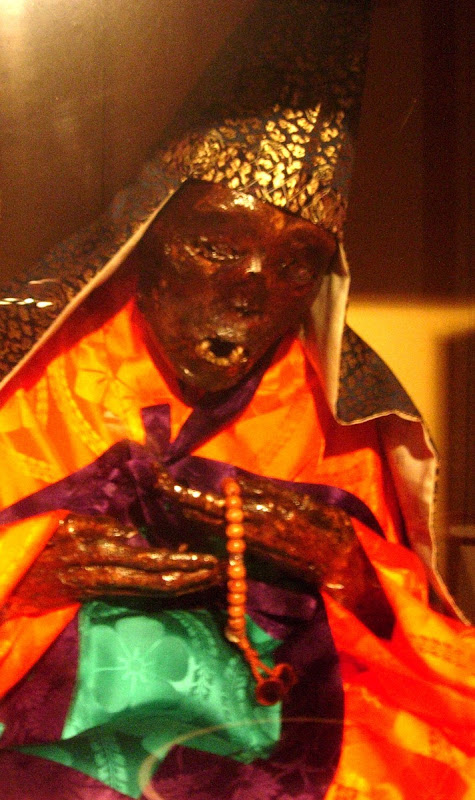 Sokushinbutsu2%25255B3%25255D - Sokushinbutsu: The Bizarre Practice of Self Mummification - Weird and Extreme