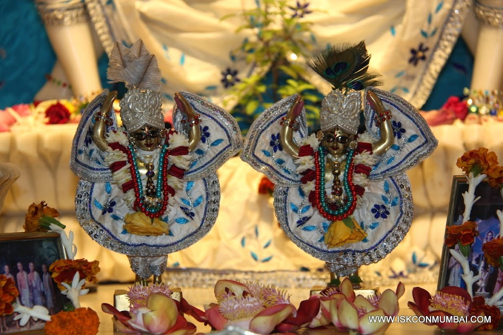 Sri Sri Gaura Nitai Small