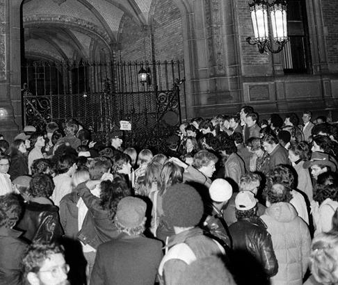JOHN LENNON SHOT 1980