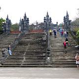 Kongegrav med vietnamesisk kejser, enormt mange trapper!