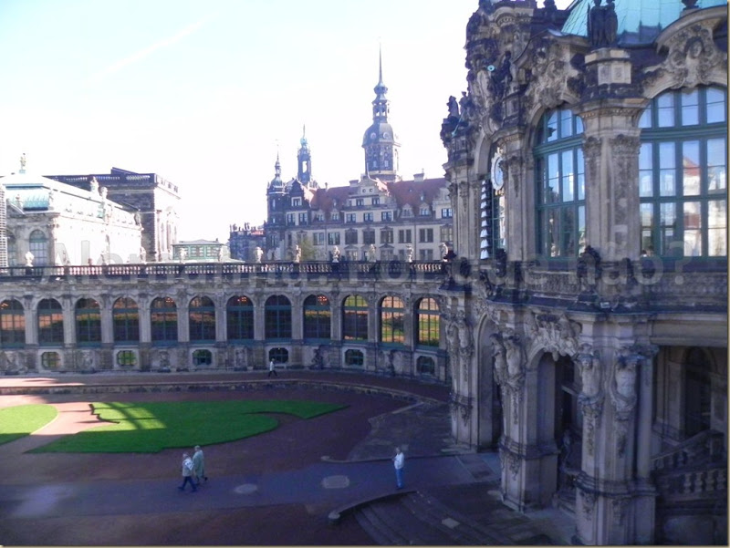 Prédios de arquitetura barroca do Zwinger Dresden