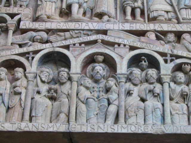 Conques_carving_detail_IMG_6351.JPG
