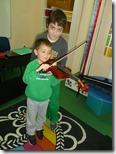 νήπια 2 _ γνωριμία με το βιολί (2)
