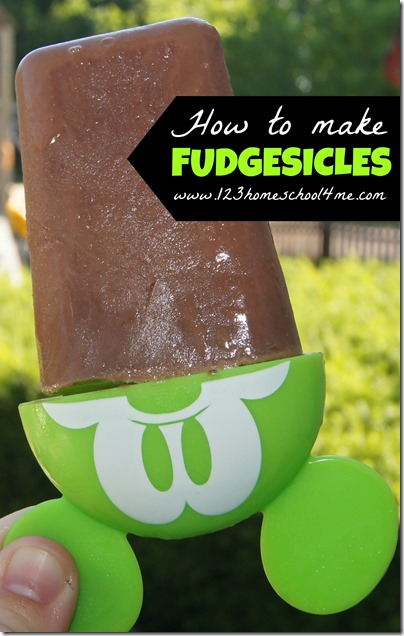 How to make Fudgesicles from scratch - This recipe is AMAZING! It is easy to make, uses just 3 ingredients, and tastes out-of-this-world! A must for kids summer activities.