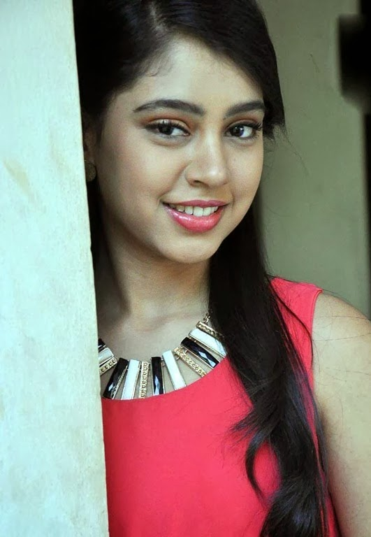 [niti_taylor_beautiful_photos%255B3%255D.jpg]