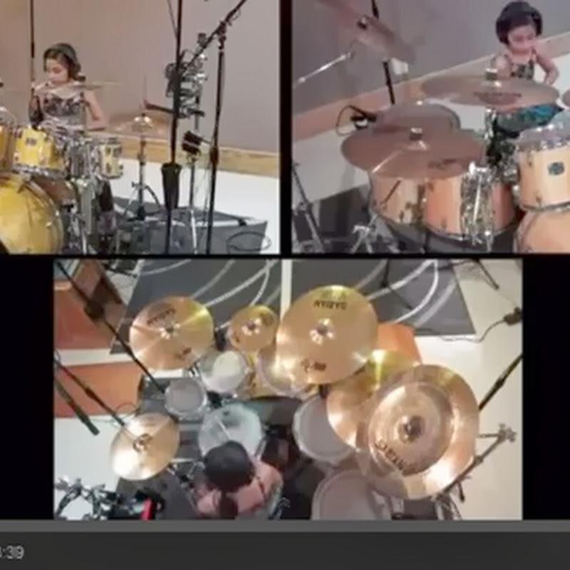 10 χρονών κορίτσι παίζει Drums
