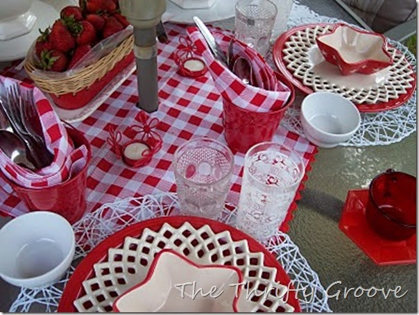 red & white lunch 047