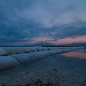 Sea barrier by Vitto Arvin - Landscapes Sunsets & Sunrises