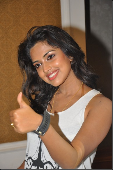 Amala-Paul-Hot-Photos-stills-From-chilloutgallery