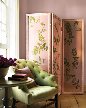 Flowing jasmine vines, with chartreuse gradations and crisp silhouettes, recall richly painted textiles in this folding screen. (marthastewart.com)