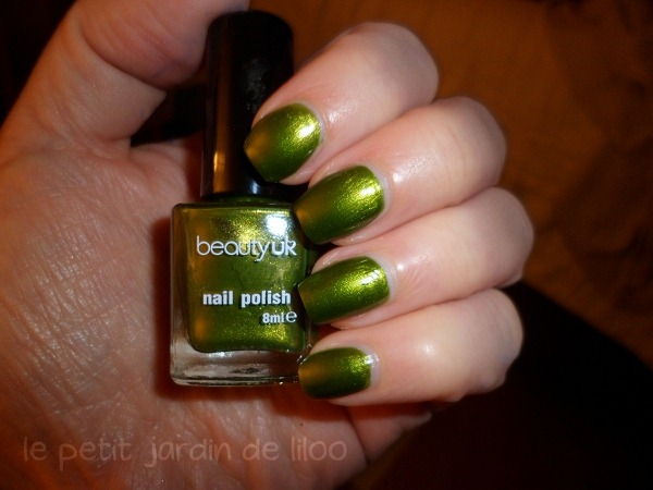 004-beauty-uk-green-nail-polish