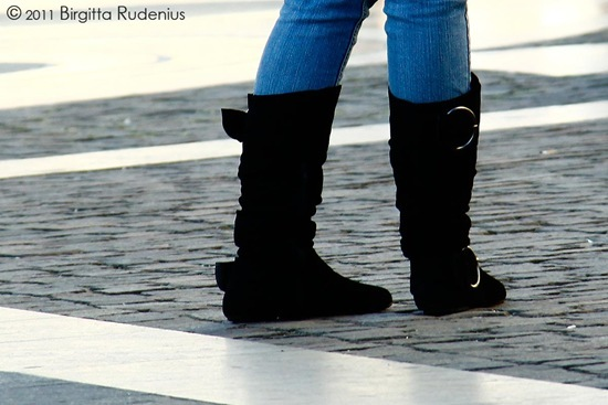 feet_20111001_blackboots
