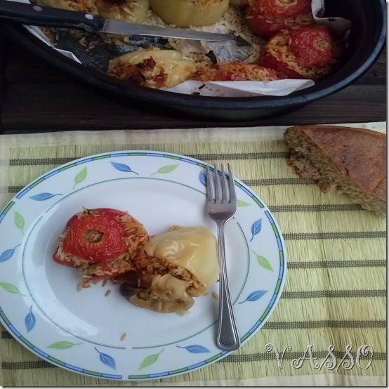 punjeni paradajzi i paprike sa rizom2