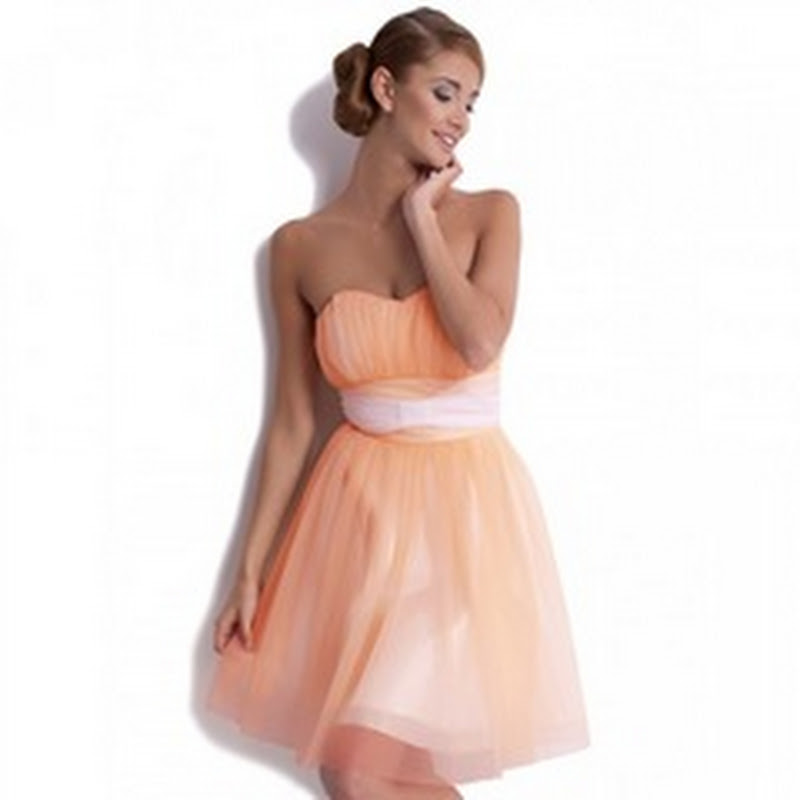 Rafinamentul rochiilor de revelion