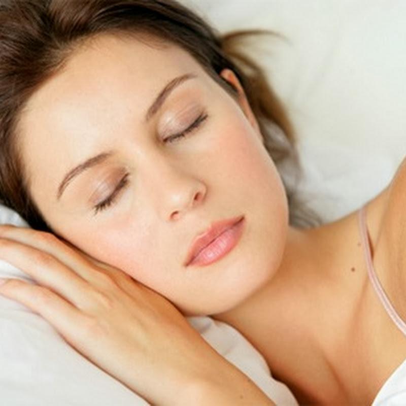 Cum dormiti ?  Sfaturi pentru frumusetea ta zilnica