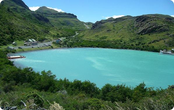 Vista do Lago Pehoé e da Guarderia Pudeto desde a trilha que leva ao Salto Grande