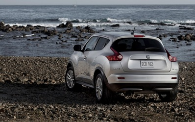 2013-Nissan-Juke-left-rear