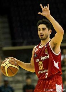 Chris Banchero (4)