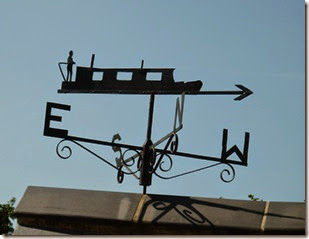 3 weathervane at top side lock