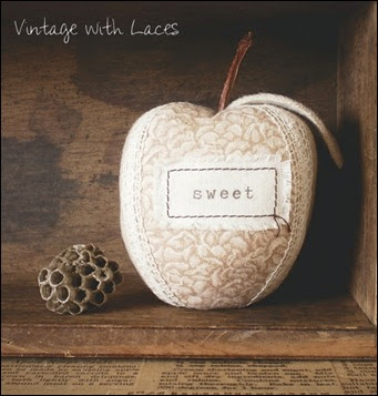 Fabric Apple - Vintage with Laces