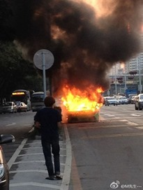 lamborghini-burns-shenzhen-china-1