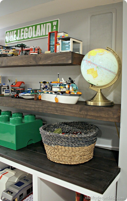 DIY display shelf