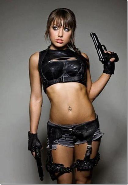 hot-women-guns-14