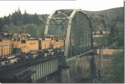 56154116-17 Weyerhaeuser Woods Railroad (WTCX) Cowlitz River Bridge at Kelso, Washington on May 17, 2005