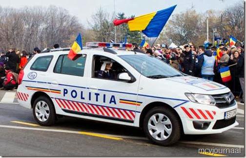 Dacia Duster in legeruitvoering 06