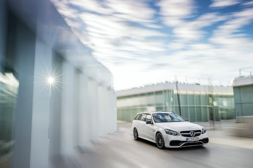 Mercedes-Benz-E-63-AMG-20.jpg