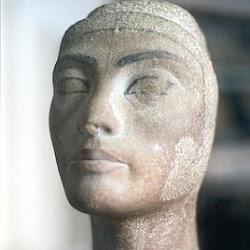55 - Otro busto de la reina Nefertiti