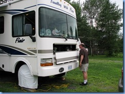 6890 Sleepy Cedars Campground Greely Ottawa - rain ends & Bill starts to get motorhome ready for trip home