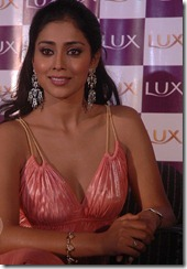 Shriya_saran_latest_beautiful_photos
