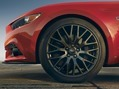 2015-Ford-Mustang-Photos-58_thumb.jpg?imgmax=800