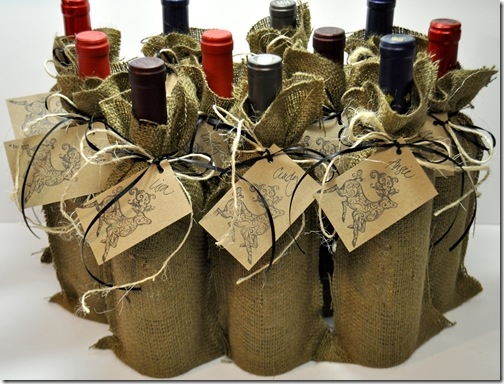 WINE BURLAP BAGS (2)