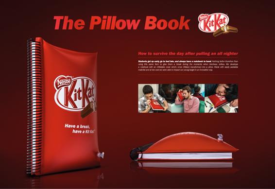 Caderno que vira travesseiro do Kit Kat