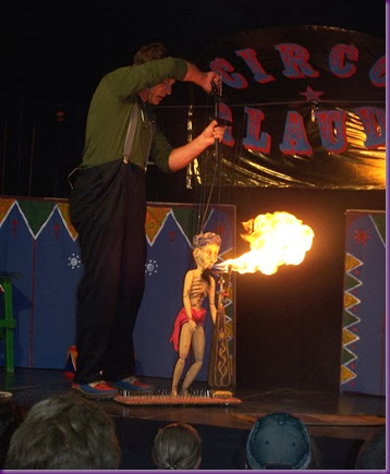 The Puppet Circus. Ravi Ghiring fuego.
