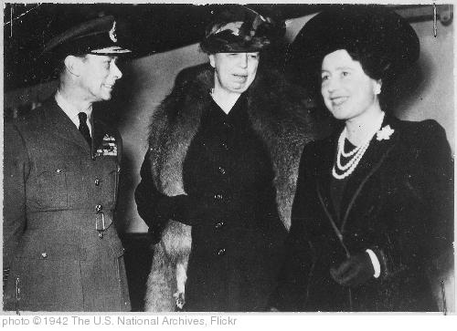'Eleanor Roosevelt, King George VI, Queen Elizabeth in London, England, 10/23/1942' photo (c) 1942, The U.S. National Archives - license: http://www.flickr.com/commons/usage/