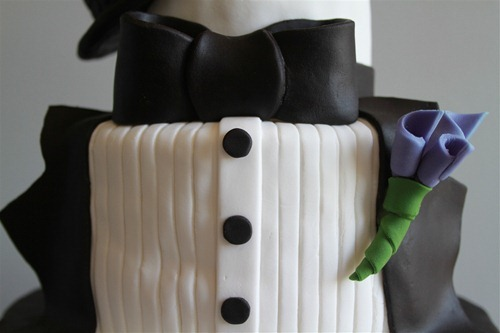 Tuxedo Groom's Cake (2)