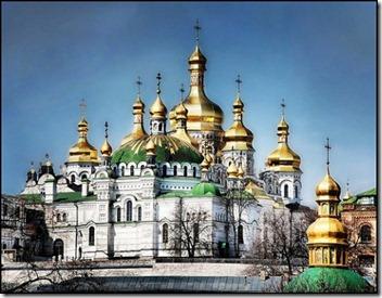 2010-09-21-16-01-38-4-kiev-pechersk-lavra-monastery