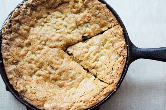 White Chocolate Cranberry Oatmeal Skillet Cookie #QuakerUp