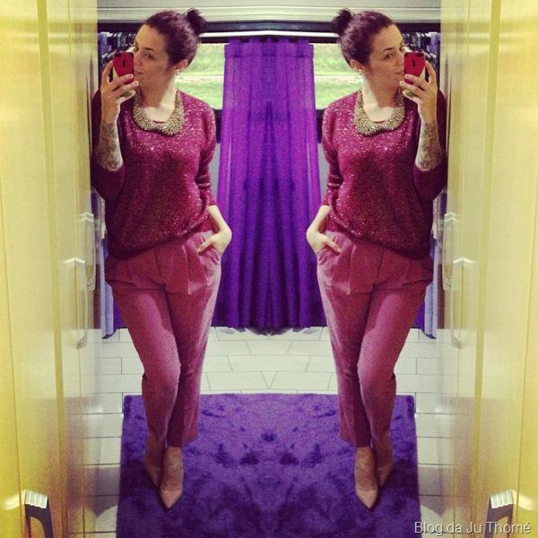 Look cor burgundy com calça renner, tricot marisa e scarpin CARMIM