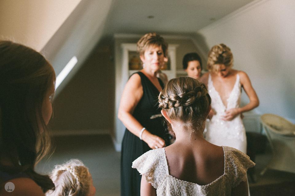 getting ready Chrisli and Matt wedding Vrede en Lust Simondium Franschhoek South Africa shot by dna photographers 162.jpg