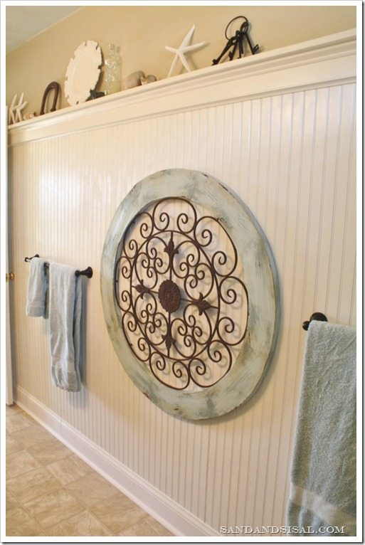 Garden medallion on bead board wall (2)