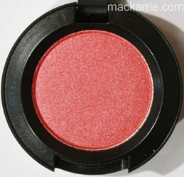 c_DaydreamingVeluxePearlEyeshadowMAC1