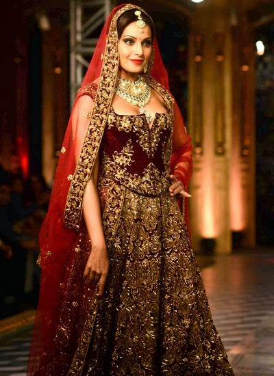 Bipasha Basu Walks The Ramp